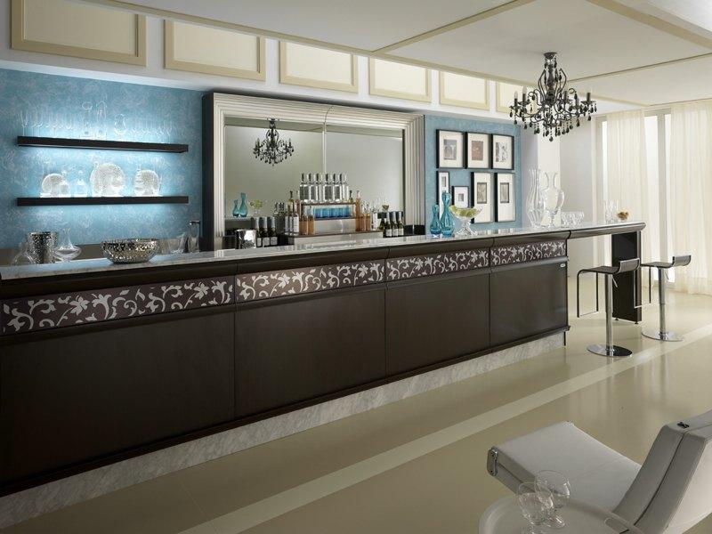 Banchi bar ed arredi completi id 115210 for Banchi bar e arredamenti completi