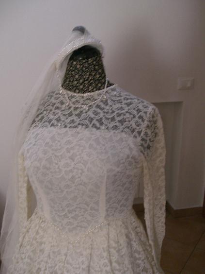 8448ddbc4d30 Vendo abito da sposa anni 60 ID 149092 - dbAnnunci.it