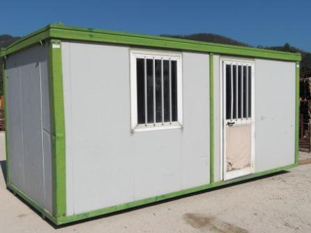 Vendo box uso ufficio id 168552 for Box cavalli usati vendo