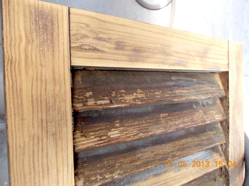 Sverniciare verniciare porte portoni id 178499 - Verniciare porte in legno ...