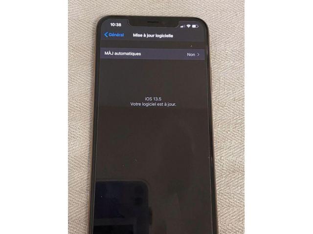iPhone 11 pro Max Gold color con 256 GB - 6/9