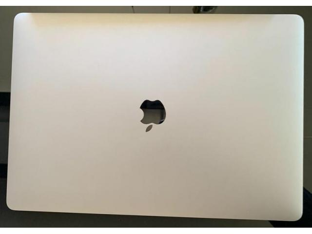 "MacBook Pro 15 ""2018 (i9 / 32 GB / 500 GB) - 1/5"