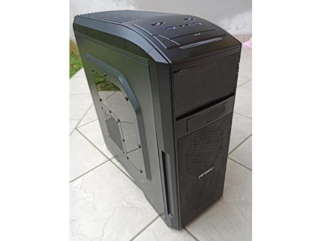 Computer desktop assemblato - 1/6