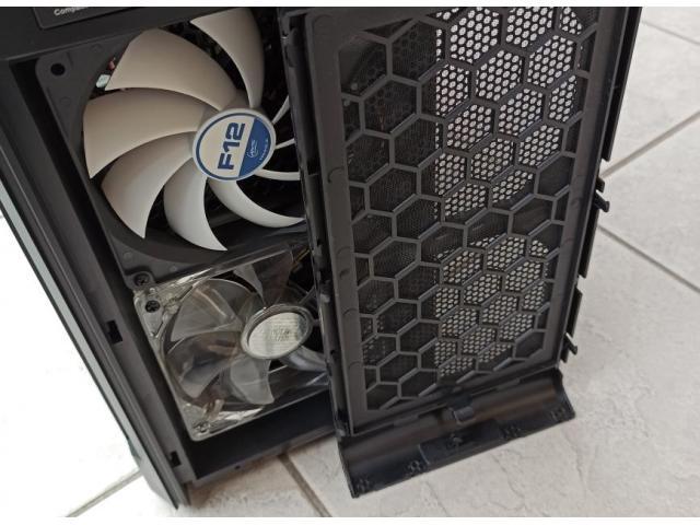 Computer desktop assemblato - 5/6