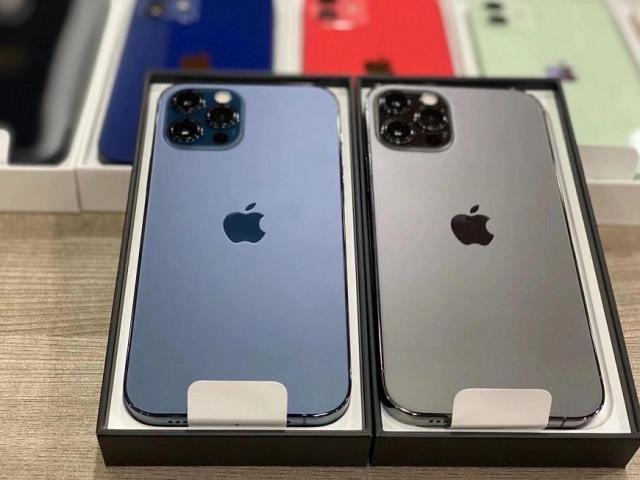 Apple iPhone 12 Pro e iPhone 12 Pro Max 128GB/256GB / 512GB il prezzo parte da €600 EUR - 5/8