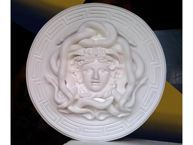 La gorgone Medusa scultura con diametro di 46 cm - 8/10