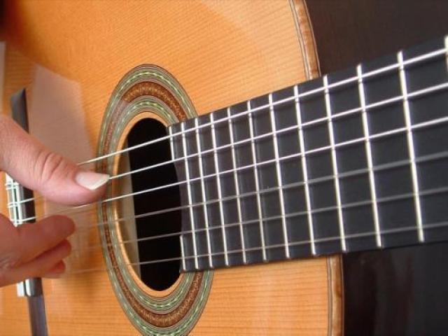Lezioni di chitarra anche a domicilio x bambini-ragazzi-adulti - 1/1