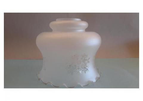 Grande LAMPADARIO in vetro opalino