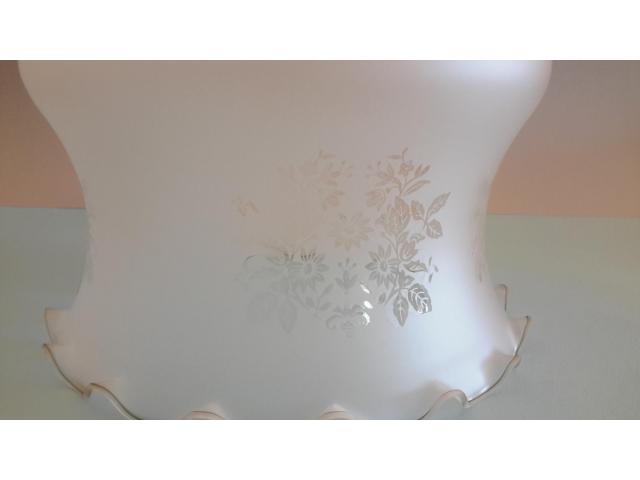 Grande LAMPADARIO in vetro opalino - 2/10