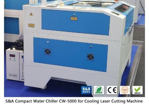 Piccolo refrigeratore d'acqua CW5000 per taglierina con incisione laser CO2