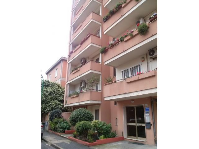 Oristano comodo appartamento centrale Giardini di Viale Repubblica con posto auto coperto, privato. - 1/7