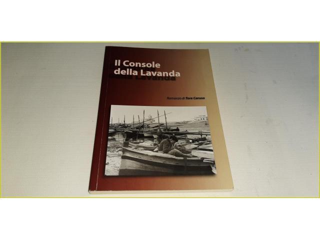 Libro Romanzo La Console della Lavanda di Tore Caruso - 1/4